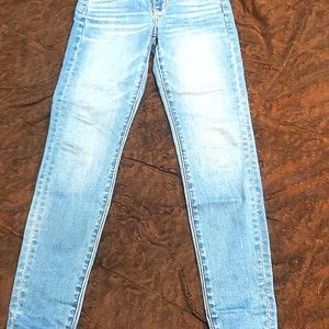 Like new size 26 or 2 US American eagle